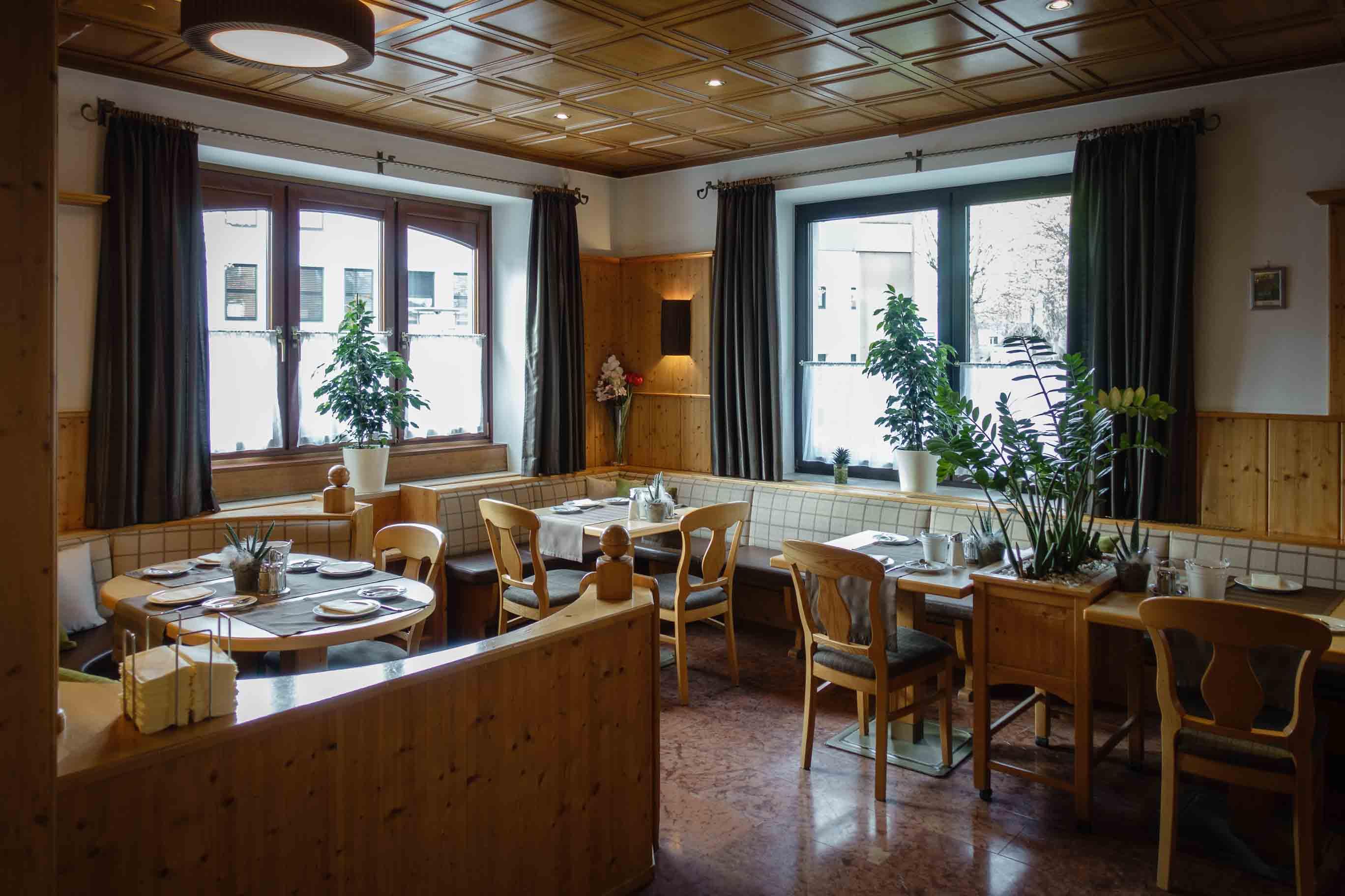 Hotel Almtalerhof Fruehstueck 0573