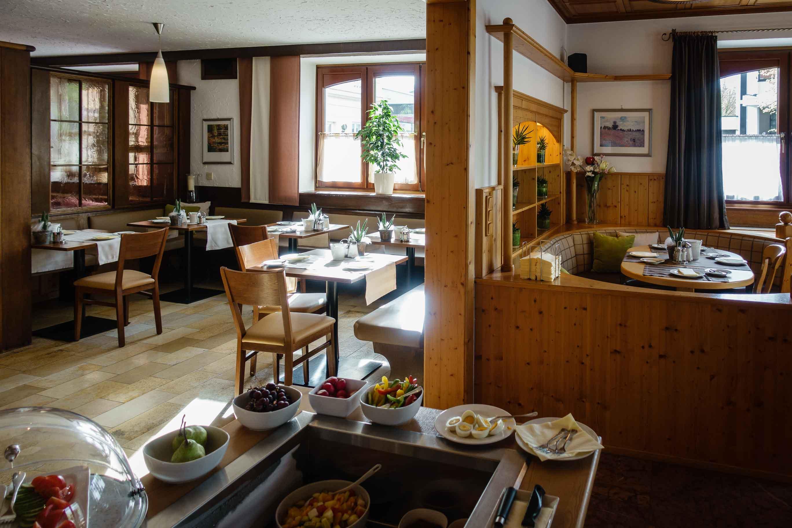 Hotel Almtalerhof Fruehstueck 0590